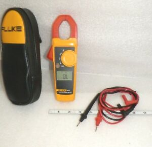 Fluke 323 Clamp Meter With Used Fluke Leads Very Nice With Carry Case