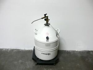 Thermolyne Thermo 30 Cryogenic Storage Vessel W Valve And Rolling Platform