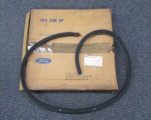 1968 69 Nos Ford Fairlane Torino 2 Door Fastback Right Roof Rail Weatherstrip