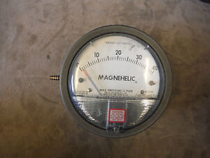 Dwyer Instruments Magnehelic Pressure Differential Gauge