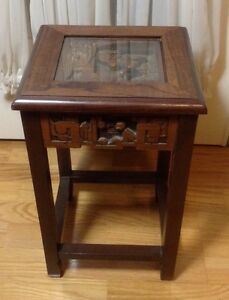 Vintage Chinese Exquisite Detailed Hand Carved Brown Wood Stand Table W Glass