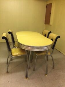 Vintage Mid Century 50s Chrome Yellow Table And 4 Chairs