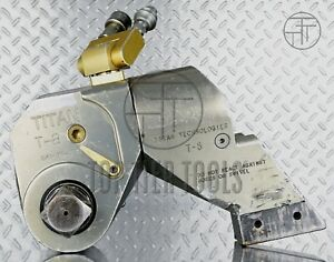 Titan T 8 Hydraulic Torque Wrench 1 1 2 1 5 Inch Square Drive Hytorc 8062 Ft lb