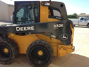 2015 John Deere 332e Skid Steer Loaders
