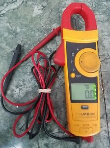 Fluke Multimeter 335 True Rms Clamp Meter With Leads