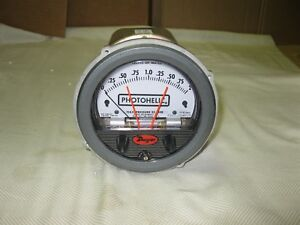 New Dwyer Photohelic Pressure Switch gage 0 2 Inches Water Model 3002