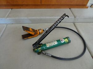 Greenlee 767 Hydraulic Knockout Hand Pump With Spreader