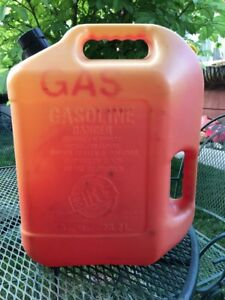Blitz 6 Gallon Vented Gas Fuel Can With Flex Spout 11841 Made In Usa