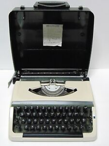 Working Old Vintage 1970s Sears Portable Typewriter Made In Japan Needs Ribbon