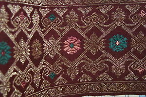 Antique Metallic Gold Embroidery Brocade Ceremonial Sungkit Runner Burgundy Sg24