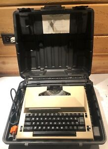 Sears the Scholar Portable Electric Typewriter With Carrying Case tested