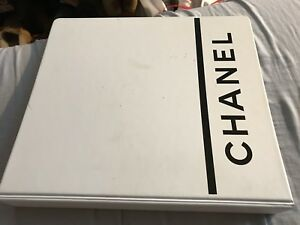 Chanel Executive White With Black Lettering Three Ring 1 5 Binder