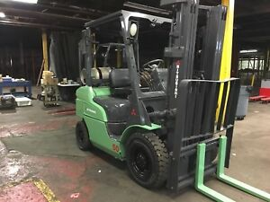 2014 Mitsubishi 5000 Pound Pneumatic Forklift With Sideshift Triple Mast