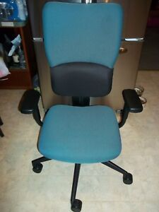 Lot Of 4 Used Steelcase Turnstone Adjustable Office Chairs Good Condition