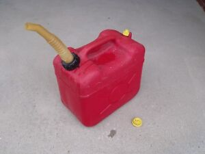 6 Gallon Plastic Vented Gas Can