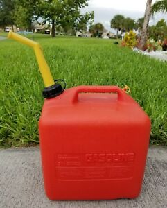 Craftsman 5 1 4 Gallon Gas Can Fuel Can Container W Venting Spout
