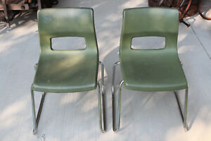 2 Set Peabody Mcm Child Student Green Plastic Chrome Leg Chairs Stackable