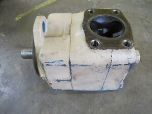 Vickers 45v60a1c22r Vane Type Hydraulic Pump 3 Inlet 1 1 2 Outlet 1 1 4 Shaft