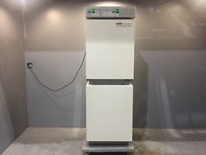 Nuaire Nu 8700 Co2 Water jacketed Incubator Medical Laboratory Equipment Lab