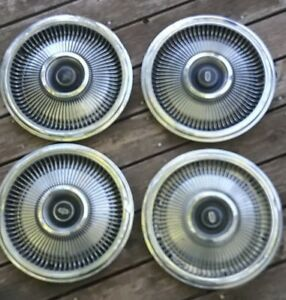 Set 4 1970 1973 Lincoln Town Car Continental Hubcaps