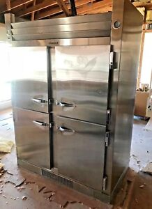 Traulsen 4 Compartment Refrigerator Ght 2 32 W 45 Cu Ft Two Section Half Door
