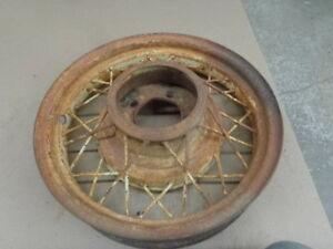 V8 Ford 17 Wire Wheel Mt 2181