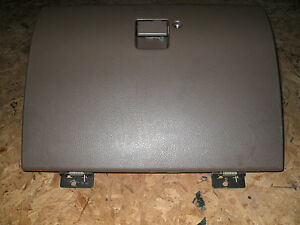 Oem 00 Isuzu Rodeo Brown Locking Glove Box Compartment With Latch