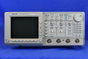 Tektronix Tds540a Oscilloscope 4 Channel Digitizing 500 Mhz As Is