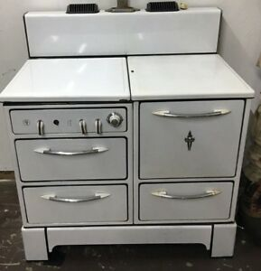 Vintage Wedgewood Gas Stove White Great Condition