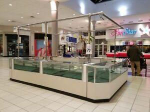 Mall Kiosk 8 Lighted Showcases Railing Jewelry Watch Pawn Retail