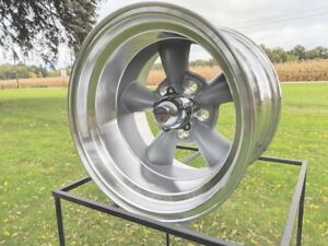 15x10 American Racing Torq Thrust D Vn105 Chevy Gm Truck 5x5bp W Lugs Caps