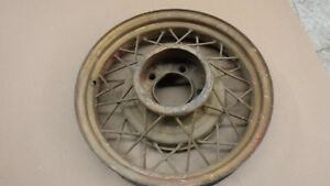 V8 Ford 17 Wire Wheel Mt 2261