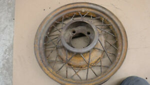 V8 Ford 17 Wire Wheel Mt 2272