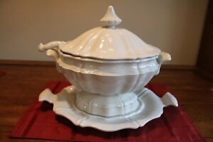 Red Cliff Heirloom Ironstone Soup Tureen With Ladle Underplate