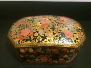 Antique Islamic Kashmiri Papier Mache Octagonal Lided Box Hand Painted Miniature
