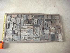 Antique Wood Type In Tray Very Old Approx 100 Pieces