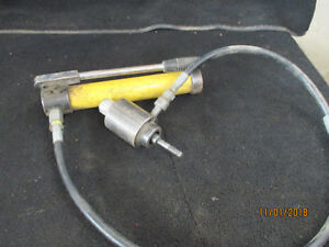 Hydraulic Hand Pump With Greenlee Knockout Punch And Dies