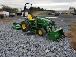 John Deere 2032 Tractor Loader Belly Mower