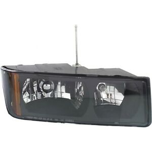Headlight For 2002 2006 Chevy Avalanche 1500 2500 Right Body Cladding With Bulb