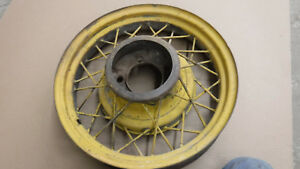 V8 Ford 17 Wire Wheel Mt 2365