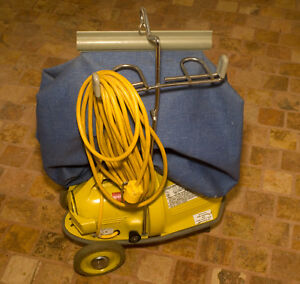 Commercial Vacuum Cleaner Nss M 1 pig With Basic Carpet Kit
