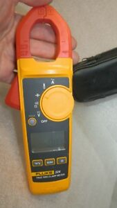 Very Good Fluke 324 Trms Clamp Meter With Leads Case A Few Scuffs