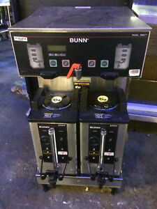Bunn Dual 208 V Coffee Brewer W Twin Insulated Servers hot Water Spout