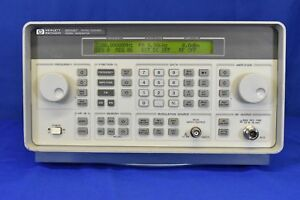Hp 8648c Synthesized Signal Generator 9 Khz 3200 Mhz