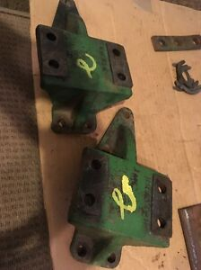 Pair John Deere Sickle Mower Mounting Brackets For Gear Box Jd 8 H10434h Set 2