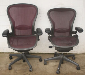 2 Herman Miller Aeron Adjustable Executive Office Chairs Lot