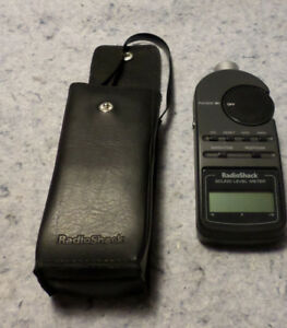 Radio Shack Digital Sound Level Meter Tester 30 2055 With Case Excellent c14b4