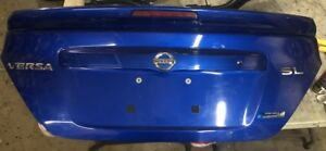 2012 2016 Oem Nissan Versa Sedan Blue Rear Trunk Tailgate Assembly W Emblem
