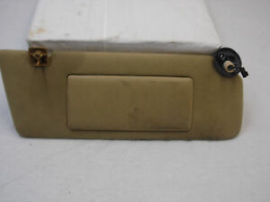 Oem 1995 Jeep Grand Cherokee Orvis Edition Tan Passengers Side Visor With Mirror