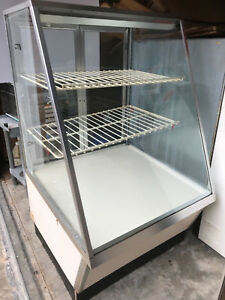 Federal Dry Bakery Display Case 30 X 30 X 51 High Non refrigerated